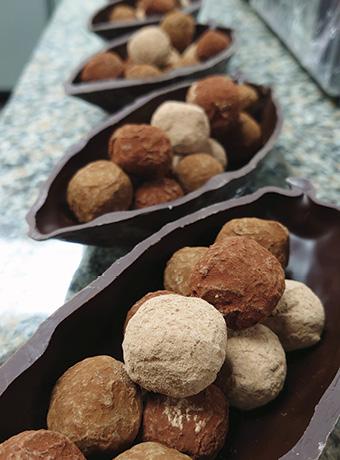 Truffe au chocolat pour des cadeaux entreprise sur-mesure - Criollos Chocolatier